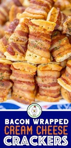 Bacon Wrapped Cream Cheese Crackers - so addictive! These things fly off the plate at parties! Super easy to make with only 3 ingredients! Club crackers onion and chive cream cheese and bacon. Can make 10 or Can assemble ahead of time and bake when ready. Crackers Appetizers, Bacon Appetizers, Finger Food Appetizers, Finger Foods, Appetizer Recipes, Simple Appetizers, Dinner Recipes, Club Crackers, Football Food