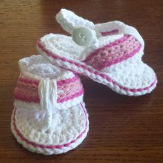 Baby Flip Flops https://www.etsy.com/listing/186634064/crochet-baby-sandals-flip-flops-boy-or Más