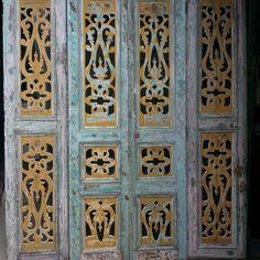 Biombo puertas caladas