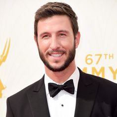 PABLO SCHREIBER NO TAPETE VERMELHO DO EMMY 2015 (FOTO: GETTY IMAGES)