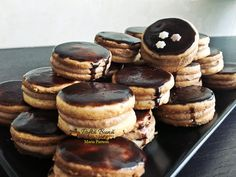 Romanian Food, Macaroons, Christmas Cookies, Biscuits, Bacon, Cheesecake, Goodies, Cooking Recipes, Sweets