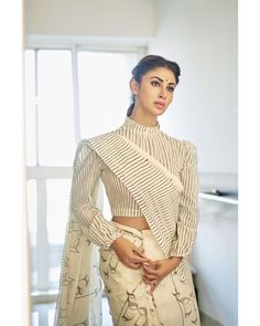 Mouni Roy Photographs HAPPY DHANTERAS WISHES AND GREETINGS CARDS PHOTO GALLERY  | PBS.TWIMG.COM  #EDUCRATSWEB 2020-05-12 pbs.twimg.com https://pbs.twimg.com/media/CTYGXzQU8AAFh_T.jpg