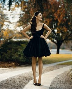 happiness!! (this is liv tyler by the way, isn't she grand?)