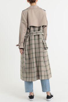 Women's coats – High Fashion For Women Trench Coat Outfit, Trench Coat Style, Coat Dress, B Fashion, High Fashion, Fashion Dresses, Fashion Coat, Fashion Brands, Couture Coats