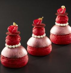 La Patisserie by Cyril Lignac need to go! Desserts Français, Beaux Desserts, French Desserts, Plated Desserts, Patisserie Fine, French Patisserie, Choux Pastry, Pastry Cake, Eclairs
