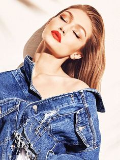 Finally: You Can Now Buy the Entire Gigi Hadid x Maybelline Collection - - Finally: You Can Now Buy the Entire Gigi Hadid x Maybelline Collection Gigi Hadid style Finally, You Can Now Buy the Entire Gigi Hadid X Maybelline Collection via Gigi Hadid Photoshoot, Gigi Hadid Outfits, Gigi Hadid Style, Model Poses Photography, Girl Photo Shoots, Girl Photo Poses, Mode Lookbook, Foto Casual, Maybelline