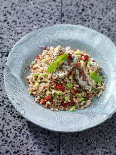 Sostanzioso e poco calorico il farro è il cereale ideale per l'alimentazione di tutti i giorni. Prova a cucinare una delle ricette veloci di Sale&Pepe.