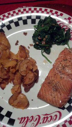 Sweet potato chips, sauteed spinach with garlic & broiled salmon