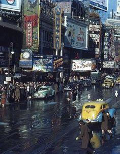 amo-vintage:  Times Square, New York City, 1944