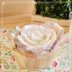 lembrancinhas de casamento, sabonete artesanal, empório coralina, handmade soap, favor, favour, lembrancinhas provence, rosa, flores http://www.emporiocoralina.com.br