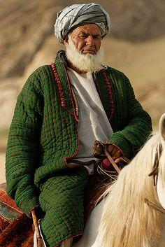 Portrait of a horseman in Afghanistan. (V)