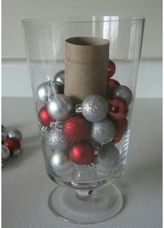 """22 Holiday Decor Hacks That'll Make You Say """"Why Didn't I Know About These Sooner?"""" 22 Holiday Decor Hacks That'll Make You Say """"Why Didn't I Know About These Sooner?"""" 22 Holiday Decor Hacks That'll Make You Say """"Why Didn't I Know About These Sooner? Christmas Hacks, Noel Christmas, Primitive Christmas, Winter Christmas, All Things Christmas, Christmas Ornaments, Christmas Projects, Christmas Music, Indoor Christmas Decorations"""