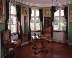 Schloss Charlottenhof http://www.spsg.de/fileadmin/_processed_/csm_SPSG_SchlossCharlottenhof_Schlafzimmer_HagenImmel_F0016319_galerie_ae783eff2d.jpg