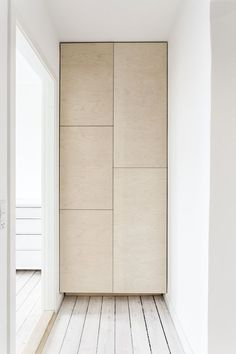 gif Flur ideen The post udbyskabe.gif appeared first on Wandgestaltung ideen. Closet Minimalista, Plywood Furniture, Furniture Design, Plywood Cabinets, Plywood Walls, Interior Architecture, Interior And Exterior, Deco Studio, The Way Home