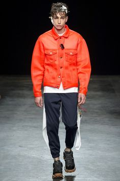 See the Christopher Shannon spring/summer 2016 menswear collection. Click through for full gallery