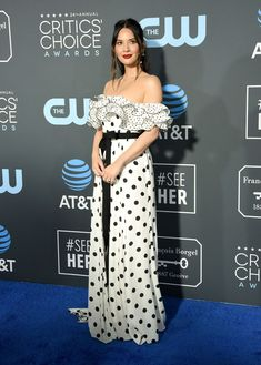 Olivia Munn is breath taking in Andrew GN. Black and white was a red carpet hit!… Olivia Munn is breath taking in Andrew GN. Black and white was a red carpet hit! Olivia Munn, Constance Wu, Regina King, Glenn Close, Critic Choice Awards, Critics Choice, Mandy Moore, Kristen Bell, Blue Carpet