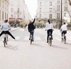 besties on bikes Best Friend Pictures, Friend Photos, Photo Velo, 7 Arts, No Rain, Jolie Photo, Best Friend Goals, Partners In Crime, Best Friends Forever