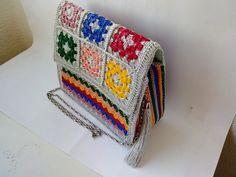 Bolsa Colorida de Crochê...Outra inspiração da Crochic Handmade... Blanket, Colorful, Bags, Blankets, Cover, Comforters