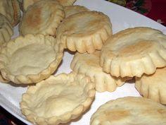 Reteta culinara Aluat fraged pentru tarte aperitiv din categoria Aperitive / Garnituri. Cum sa faci Aluat fraged pentru tarte aperitiv Quiche, Tasty, Yummy Food, Finger Foods, Picnic, Food And Drink, Cookies, Chicken, Baking