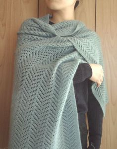 Beautiful Herringbone stole by Tokiyushi Shimada, made by Ravelry member aisuke / in Quince & Co. Crochet Scarves, Crochet Shawl, Knit Crochet, Knitted Afghans, Knitted Blankets, Woolen Scarves, Linen Stitch, Knit Wrap, How To Purl Knit