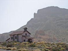 Ermita de Nuestra Señora de las Nieves en el Parque Nacional del Teide, Tenerife, España