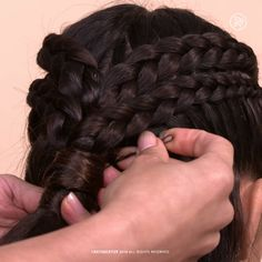 How to: Crown Braids Short Hair Crown Braid, How To Crown Braid, Braid And Curls Hairstyles, Braided Crown Tutorial, Braids And Curls, Braids On Natural Hair, Braid Hair Styles, Short Hair Braids Tutorial, Hairstyles For Short Hair