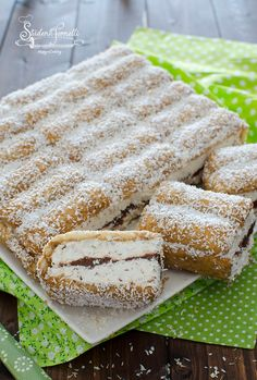 Italian Recipes cold cake pavesini and nutella coconut and cold coffee dessert recipe without cooking … Espresso Dessert, Coffee Dessert, Baking Recipes, Cake Recipes, Dessert Recipes, Italian Desserts, Italian Recipes, Dessert Sans Four, Delicious Desserts