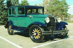 1929+Durant+Cars   autos1107.jpg (65625 bytes)