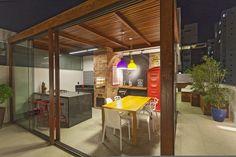 5 espaços decorados com cores vibrantes!  https://www.homify.com.br/livros_de_ideias/32949/5-espacos-decorados-com-cores-vibrantes
