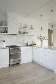 Red's Kitchen by Kyal & Kara | Week 3 HamptonThe Block Shop - Channel 9