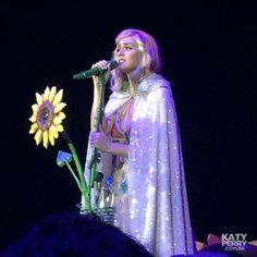 Motorpoint Arena in Sheffield, England - 05.23 - BoWppg IUAAoPvd - Katy Perry Brasil Photo Gallery