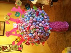 Learn how to make candy bouquets – Candy Bouquet Designs books. Start Candy Bouquet and Gift Basket Business or Do it for a hobby! Hawaiian Candy, Hawaiian Theme, Candy Topiary, 10th Birthday Parties, Chocolate Bouquet, Candy Bouquet, Candy Gifts, Luau Party, Homemade Crafts