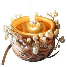 Réalisez de magnifiques photophores en pate fimo décorés de perles pour illuminer votre table pour les fêtes de fin d'année. Plus de 2500 Tutos et DIY sur Creavea.com- Leader Français du loisir créatif!