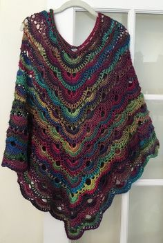 This is the most comfortable poncho you will ever crochet! This is the most comfortable poncho you will ever crochet! Cardigan Au Crochet, Crochet Cape, Crochet Poncho Patterns, Crochet Shawls And Wraps, Crochet Scarves, Crochet Clothes, Knit Crochet, Shawl Patterns, Crochet Hippo