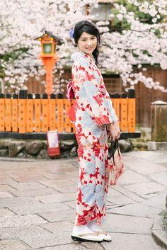 Photography: Kai Photography#京都 #桜 #前撮り #前撮りレポ #kyoto #prewedding #cherryblossoms