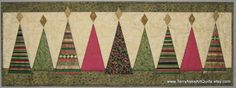 Modern Christmas Trees Quilted Wall Hanging от TerryAskeArtQuilts