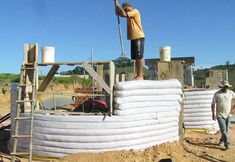 Interesting... Earthbag Building: Brazilian Ecological House  (Possible method for constructing middling houses in Erior)