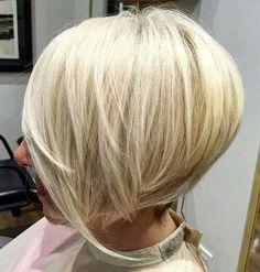 Layered Inverted Bob für glattes Haar