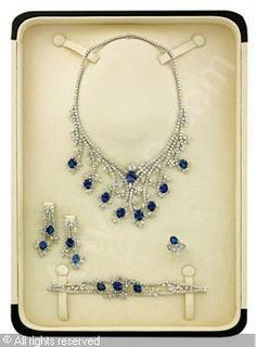 A PARURE, (5) sold by Christie's, Dubai, on Wednesday, October 27, 2010