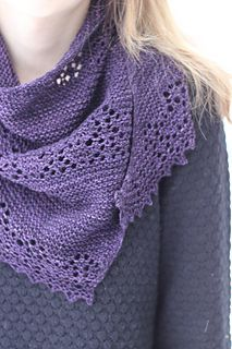 Free pattern: http://www.ravelry.com/patterns/library/nurmilintu