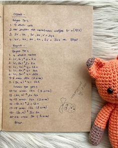 Fotoğraf açıklaması yok. Knitted Poncho, Knitted Shawls, Knitting Socks, Hand Knitting, Crochet Dolls, Knit Crochet, Crochet Diagram, Bullet Journal Ideas Pages, Baby Accessories