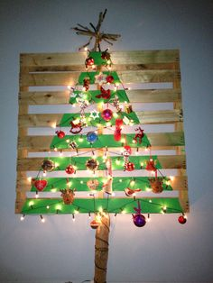 Finished, our beautiful new recycled pallet Christmas tree...