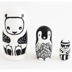 Découverz nos Poupées russes animaux WEE GALLERY panda, pingouin, raton laveur. Jouets d'éveil bébé.