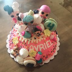 My fave part about making childrens birthday cakes is seeing the birthday kids expression when they finally get to see their cake  had such a pleasure making this L.O.L surprise doll themed cake  matching macs for a little girl who just turned 4! #sandiegobaker #sdbaker #homemade #whatibaked #amateurbaker #sandiegocakes #cakesofinstagram #lolsurprisedolls #childrensbirthdaycakes #birthdaycake