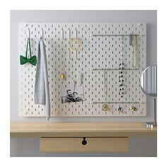 SKÅDIS Tavlekombinasjon IKEA Med SKÅDIS jest w niemczech er det enkelt å organisere alle hjemmets rom og enkelt finne det du trenger.