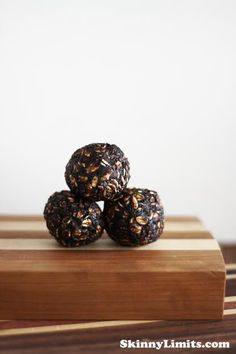 Vegan Chocolate Oat Balls - Raw Juice Cleanse and Cold Pressed Juice Delivery | Skinny Limits