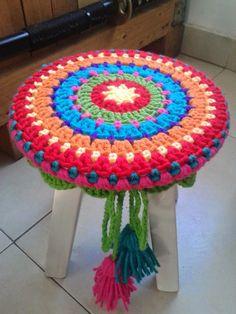 Arte Natal: Deco Tejidos Crochet Cushions, Knit Crochet, Country Decor, Doilies, Crochet Projects, Crochet Patterns, Pillows, Rugs, Knitting