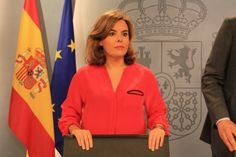 El govern espanyol respondrà amb 'agilitat i celeritat' a la convocatòria del 9-N - vilaweb.cat, 25.09.2014. El govern espanyol respondrà amb 'agilitat i celeritat' a la convocatòria del 9-N per part del president Artur Mas, prevista per dissabte, i podria convocar un consell de ministres extraordinari diumenge, dilluns o el mateix dia sense necessitat d'esperar al retorn de la Xina del president espanyol, Mariano Rajoy, per aprovar els recursos contra la consulta i la Llei.