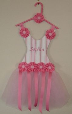 If its a girl she totally needs one of these!!!!!!!!!!