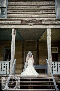 Bridal pictures by Amanda May Photos